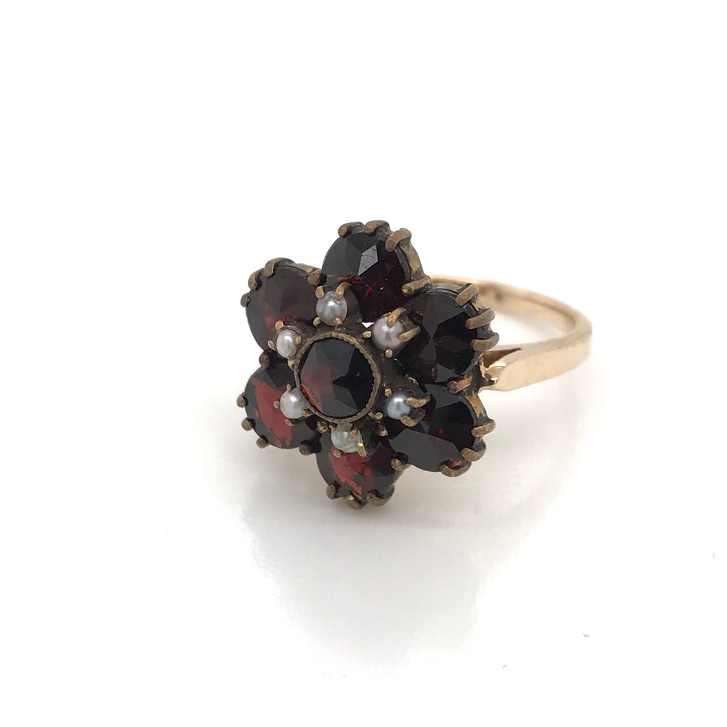 VICTORIAN GARENT AND PEARL STYLIZED FLOWER RING