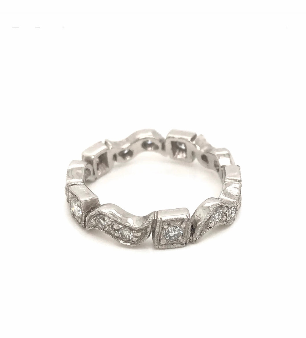 ANTIQUE STYLE DIAMOND PLATINUM BAND