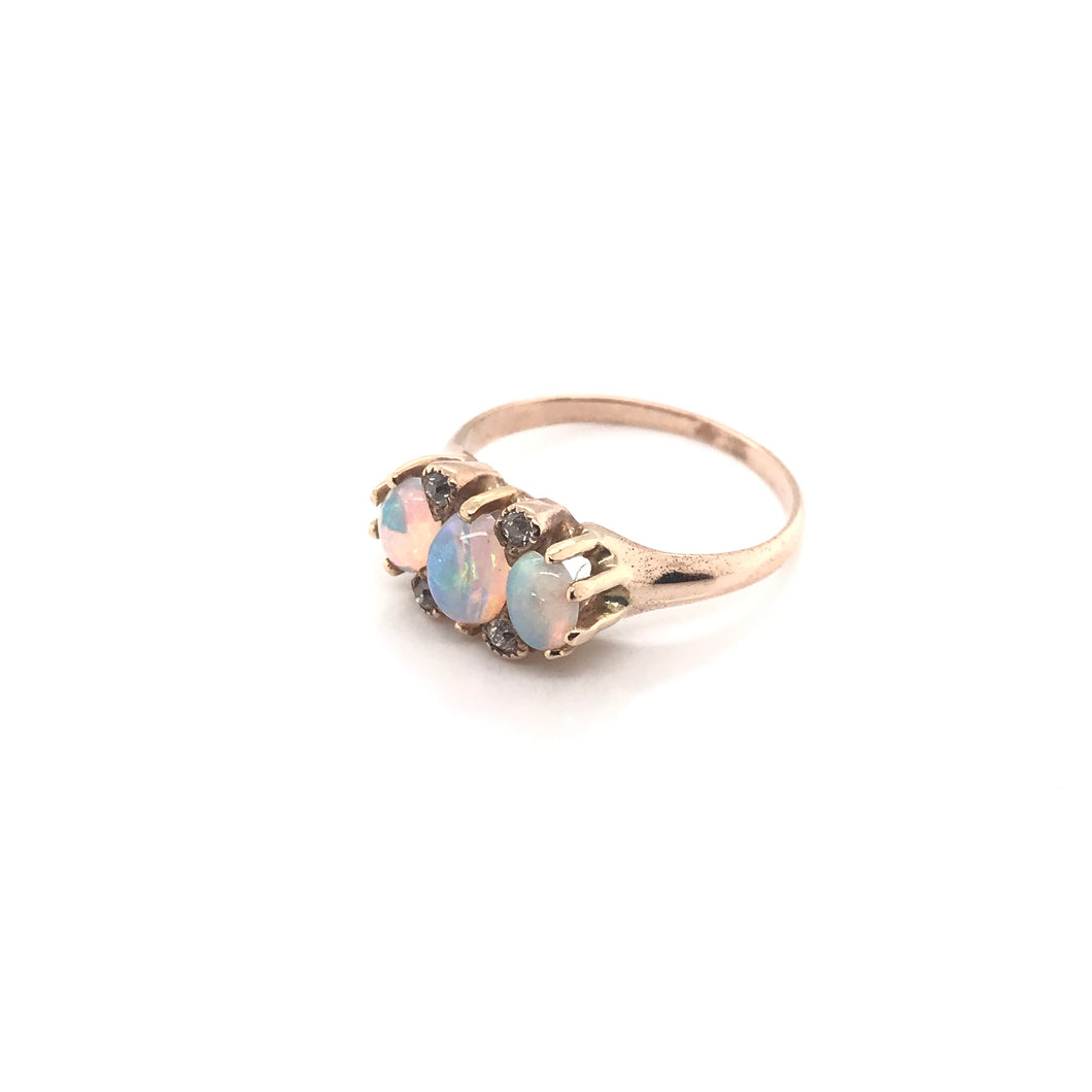 VICTORIAN OPAL AND ROSE GOLD RING