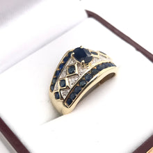 VINTAGE SAPPHIRE AND DIAMOND RING