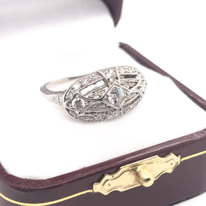 EDWARDIAN DIAMOND PLATINUM FILIGREE RING