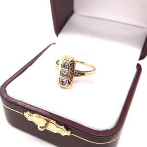ART DECO ENGRAVED DIAMOND RING