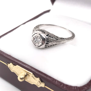 ART DECO DIAMOND ACCENTED FILIGREE RING