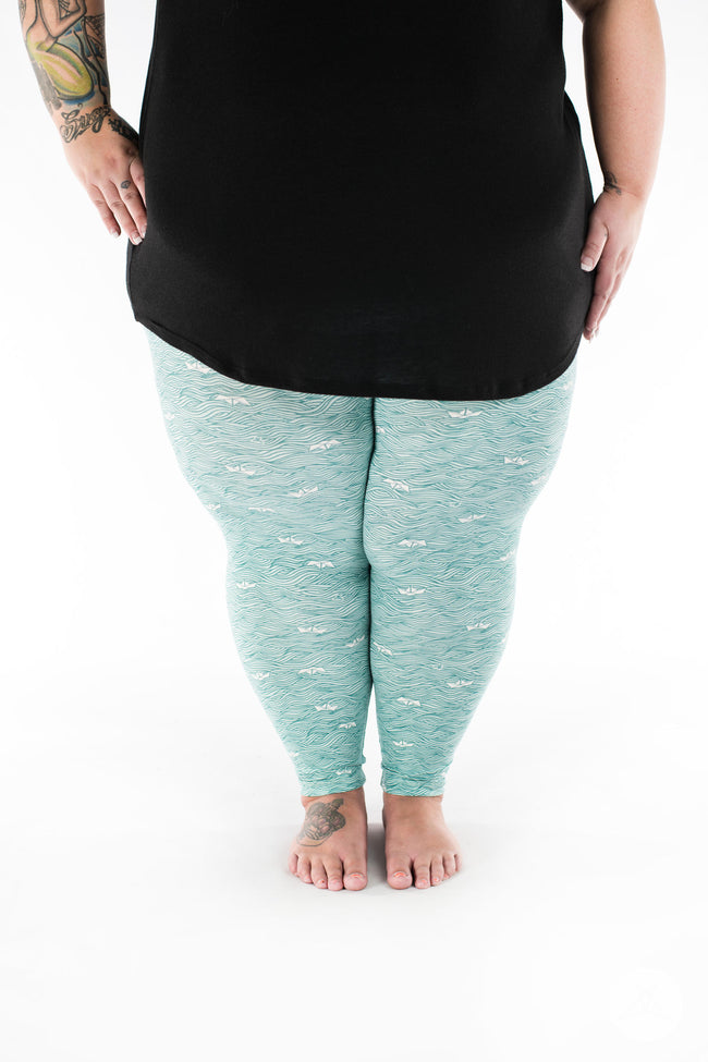 Make Waves Plus2 leggings - SweetLegs