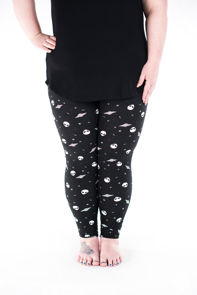Close Encounter Plus leggings - SweetLegs
