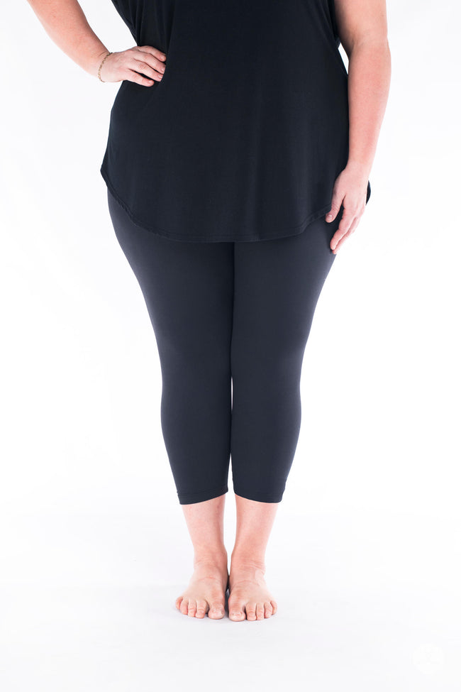 Black Plus Crops leggings - SweetLegs