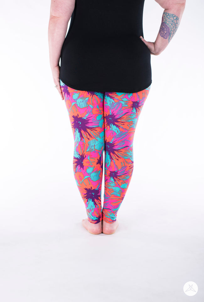 Paradise Cove Plus leggings - SweetLegs