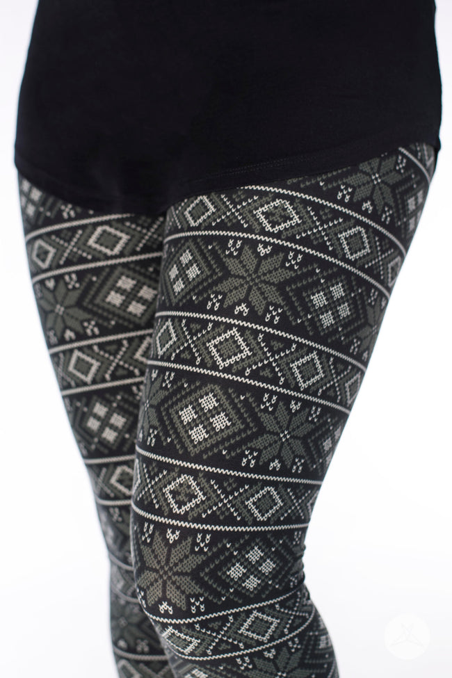 Cabin Fever Petite leggings - SweetLegs