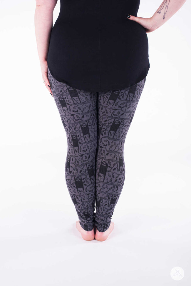 Hangin' Around Plus leggings - SweetLegs