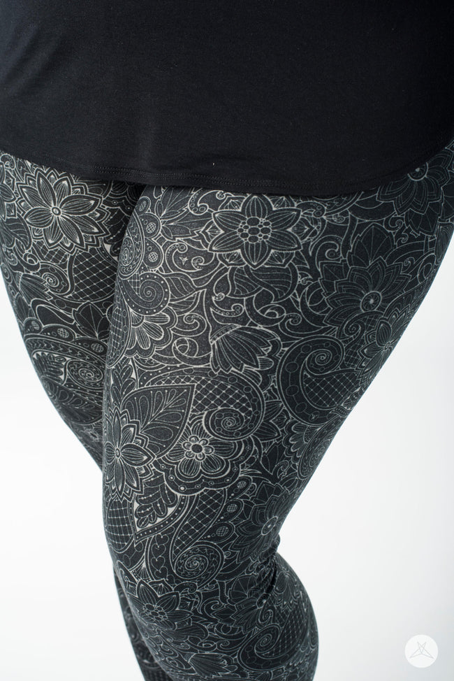 Paper Flower Plus leggings - SweetLegs