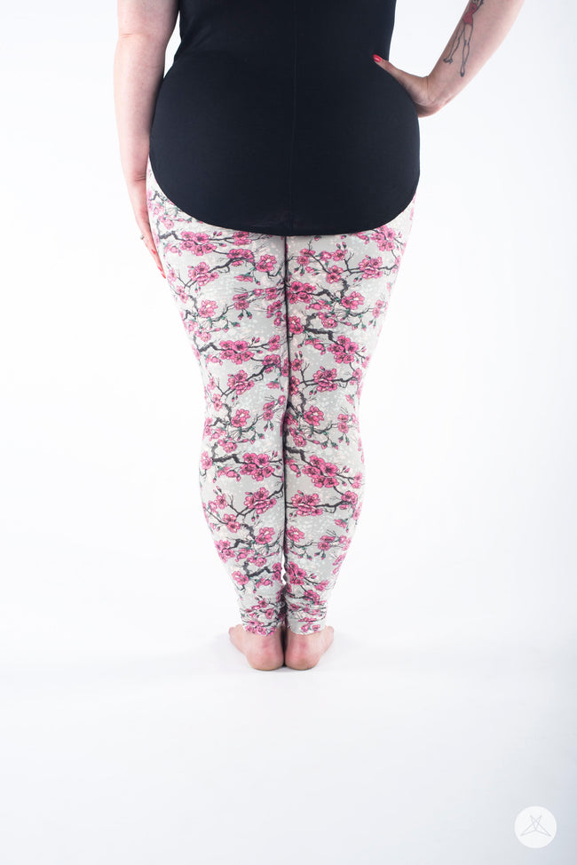 Sweet Sakura Plus leggings - SweetLegs