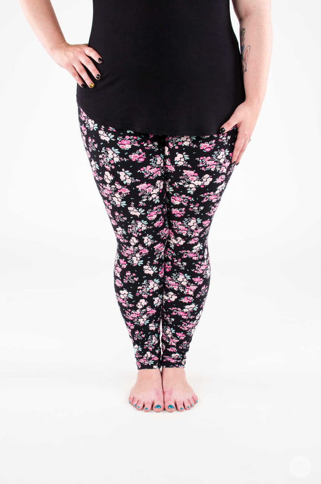Picture Perfect Plus leggings - SweetLegs