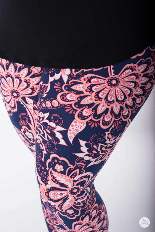 Namaste Plus leggings - SweetLegs