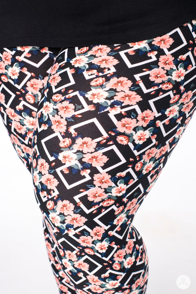 Miss Conduct Plus leggings - SweetLegs