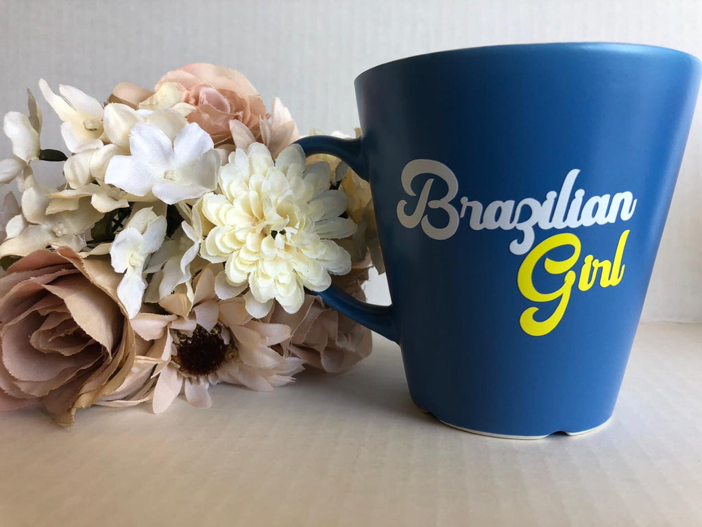 "Xícara azul  "" brazilian girl"" ( BELIEVE BY NIVIANDIAS) - new"