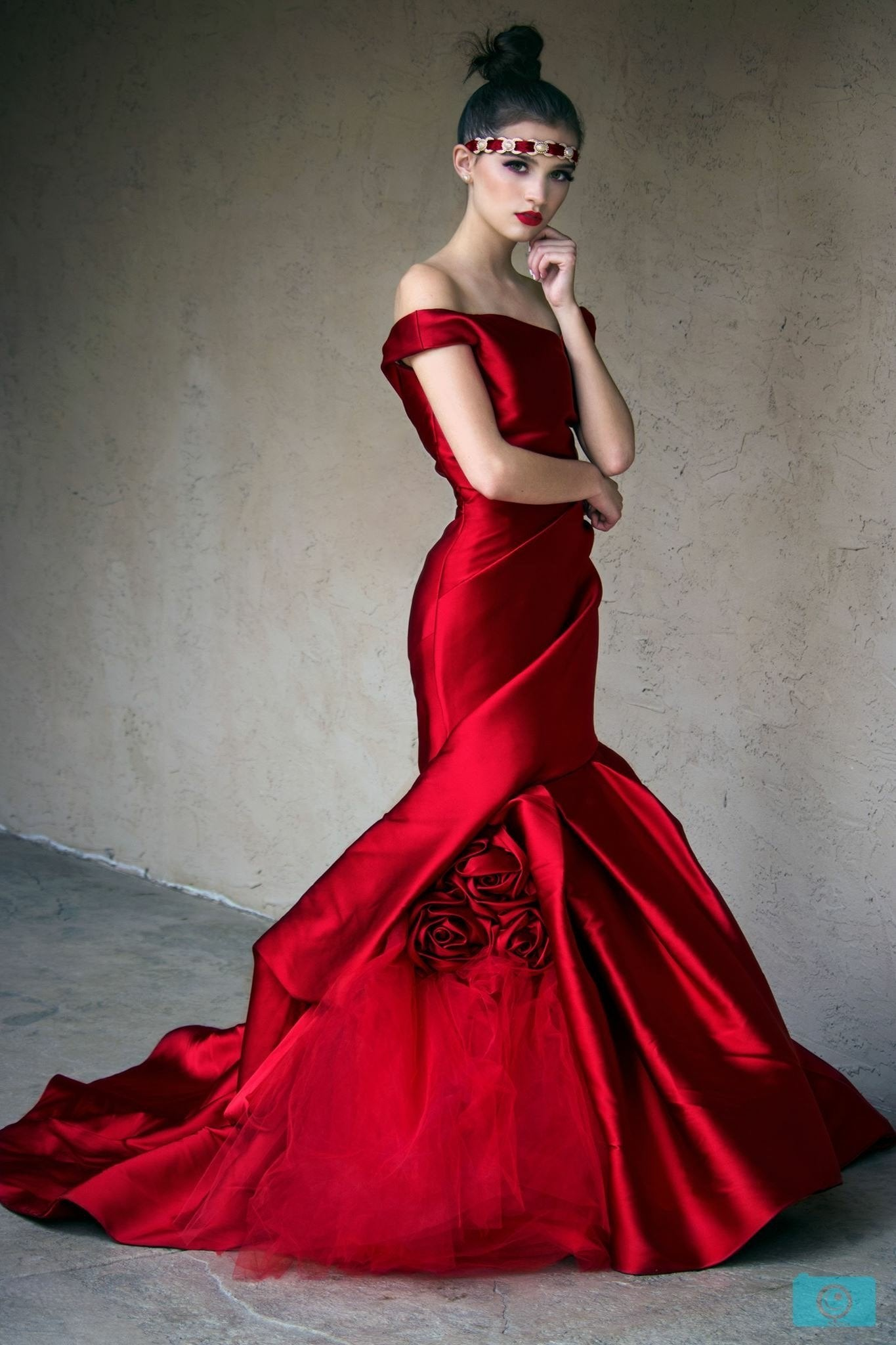 Monique Lhullier Red Gown – Doing The Most Goods