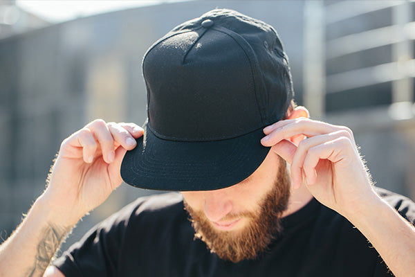 Black Baseball Cap Outfit Ideas For Men