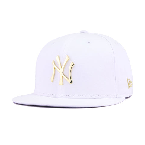 online store e3153 573cd New York Yankees White Twill Gold Metal Badge New Era 59Fifty Fitted