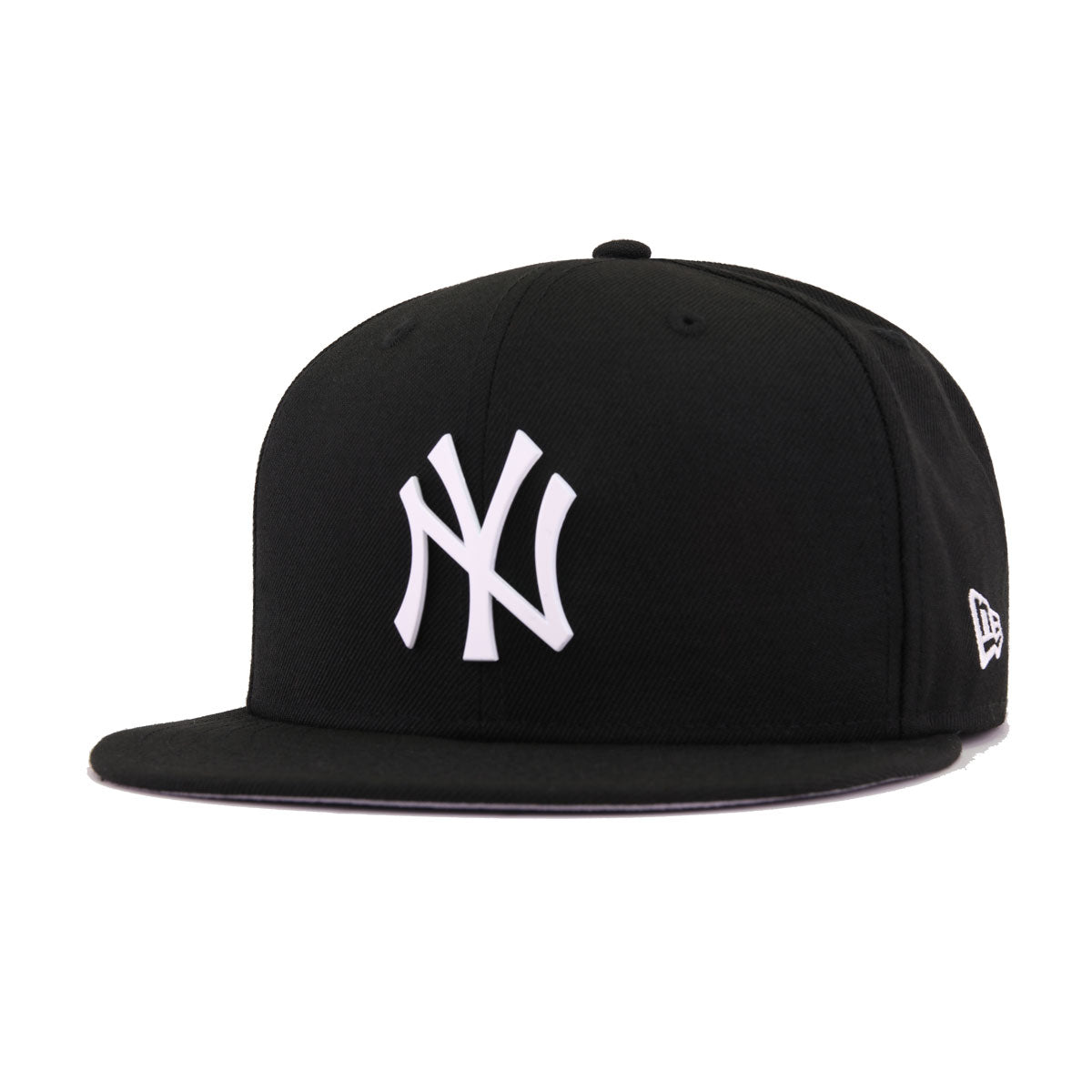 New York Yankees Black White Metal Badge New Era 9Fifty Snapback