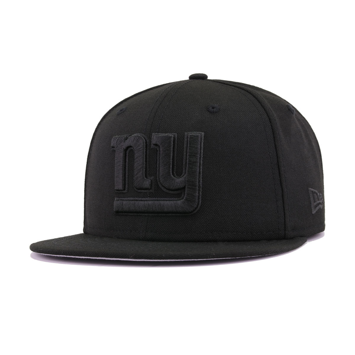 58a587ee New York Giants Black on Black New Era 9Fifty Snapback