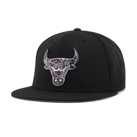 Chicago Bulls Black Fractured Metal Badge New Era 59Fifty Fitted