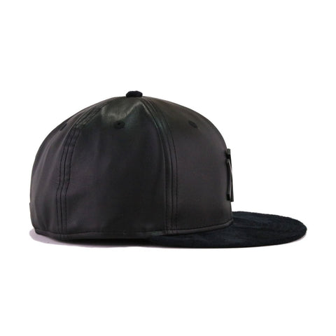 New York Yankees Black Leather Black Suede New Era Metal Badge 59Fifty  Fitted cae1141a0cbd