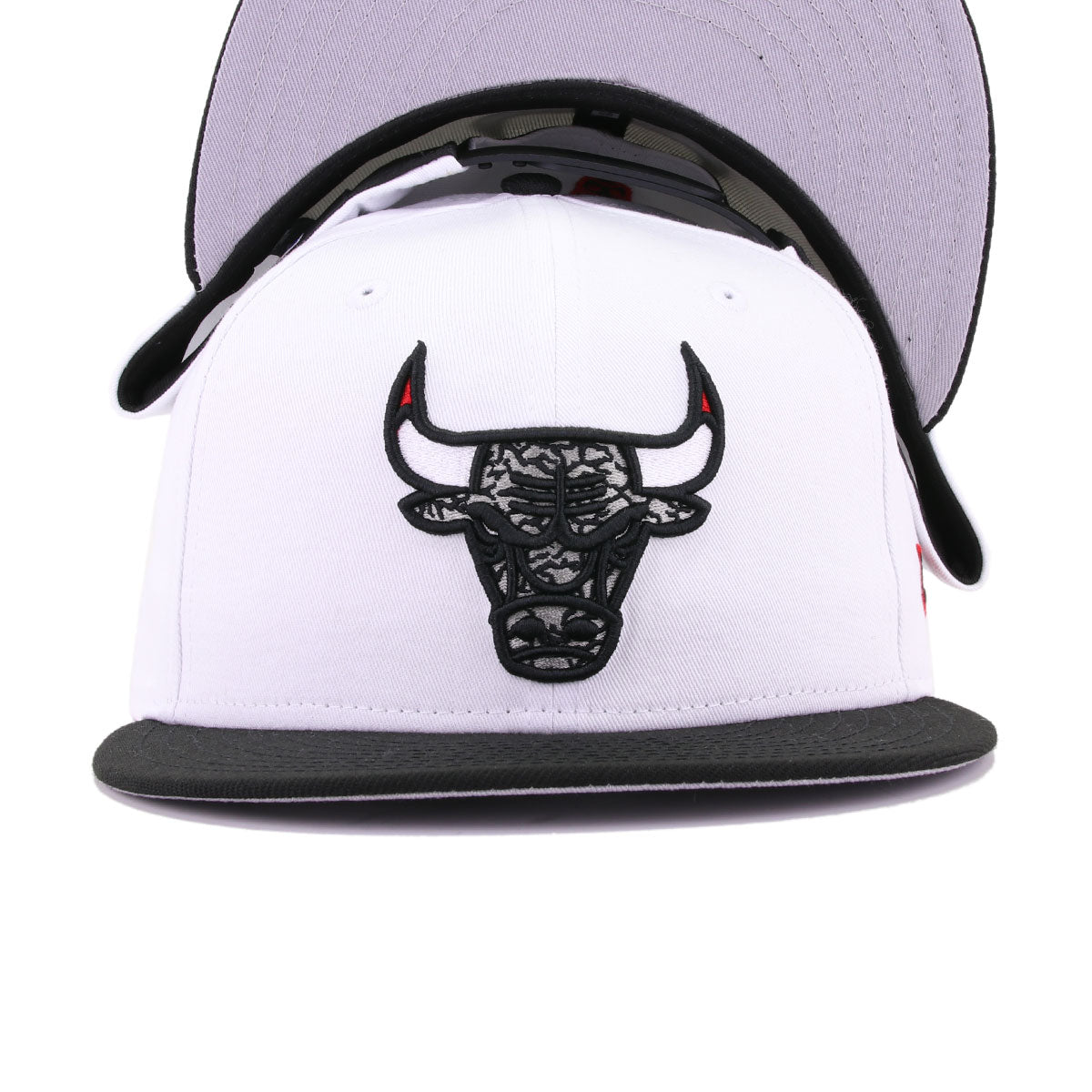 Chicago Bulls White Twill Black Elephant Print New Era 9Fifty Snapback