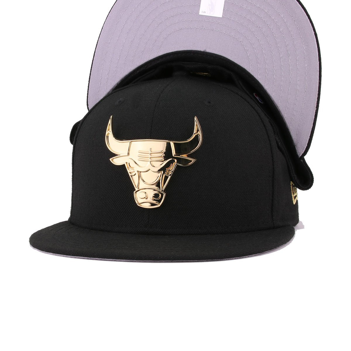 Chicago Bulls Black Gold Metal Badge New Era 59Fifty Fitted