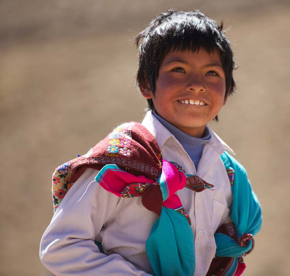 School access to children in Peruvian Highlands | Fair trade clothing