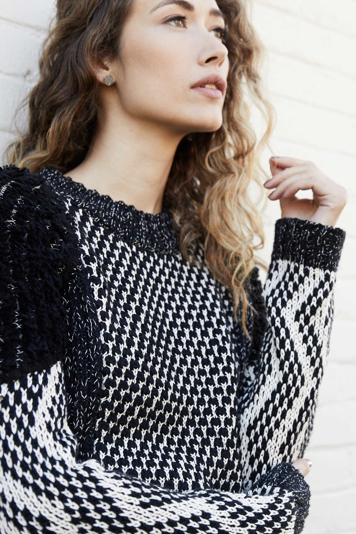 Womens Shaggy Knit Pullover Organic Cotton Sweater | Black Ivory Pattern