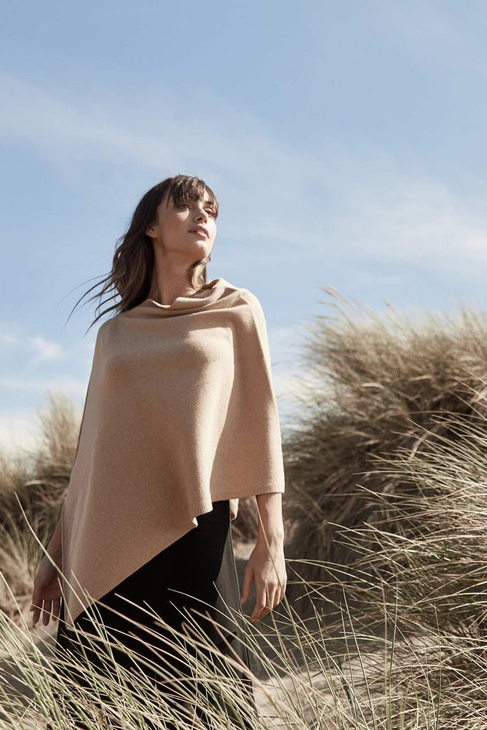 Undyed Essential Poncho - Indigenous
