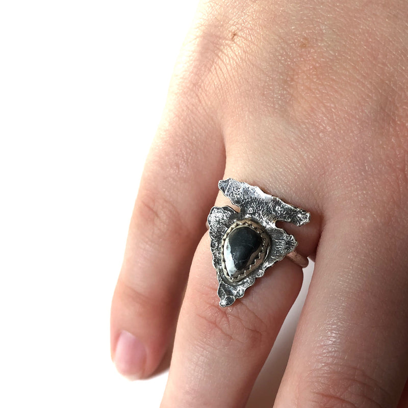 White Buffalo Arrowhead Ring // Size 8