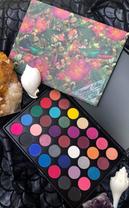 WELCOME TO THE JUNGLE - Eyeshadow Palette