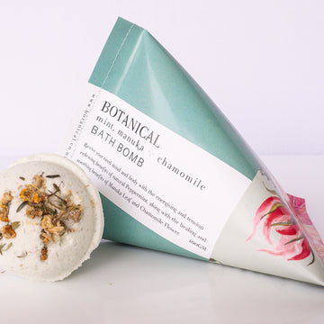 Botanical Bath Bomb - Mint, Manuka and Chamomile