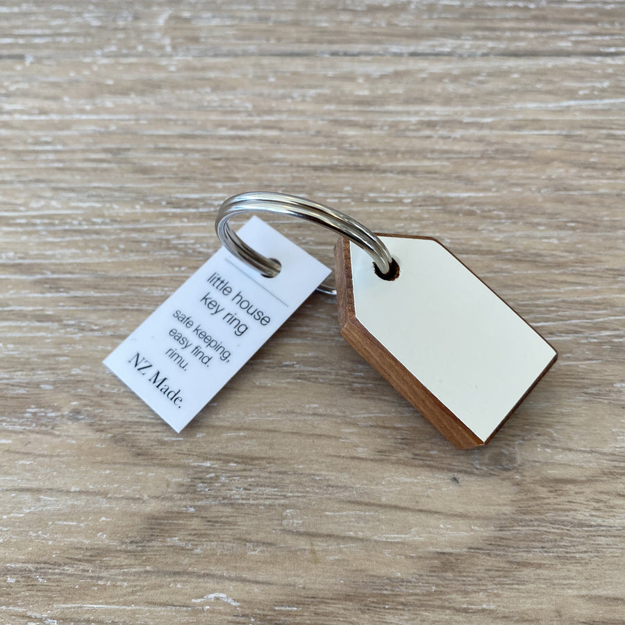 Rimu House Keyring - White