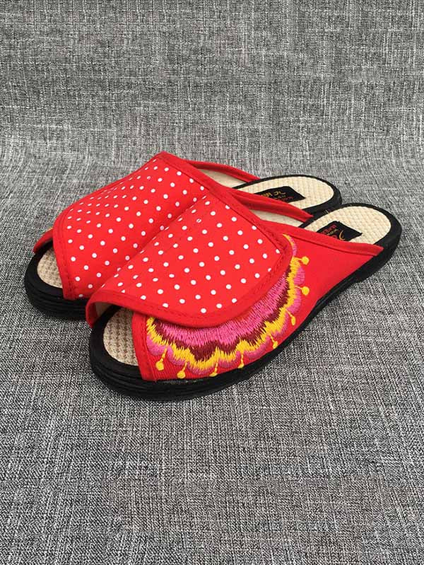 National Style Embroidered Comfoetable Slipper