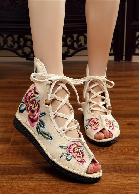 Size38 White Embroidered Lace-up Shoes