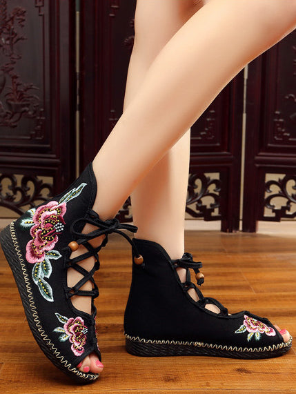 National Style Embroidered Lace-up Shoes