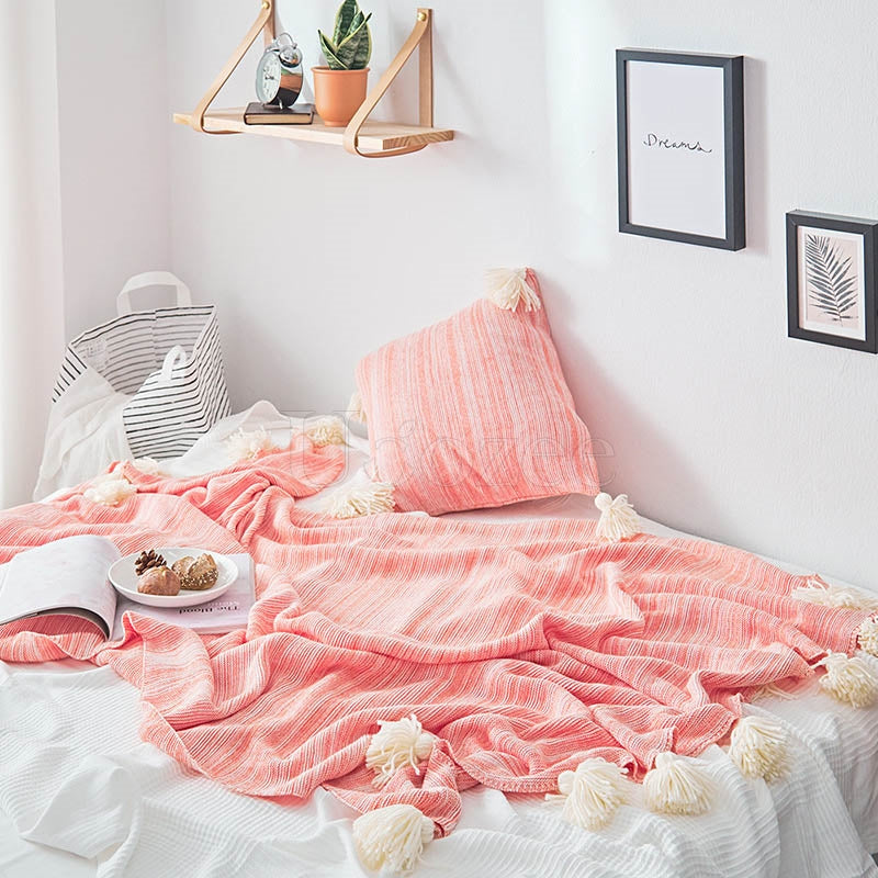 Tasseled Pompom Triming Knit Blankets