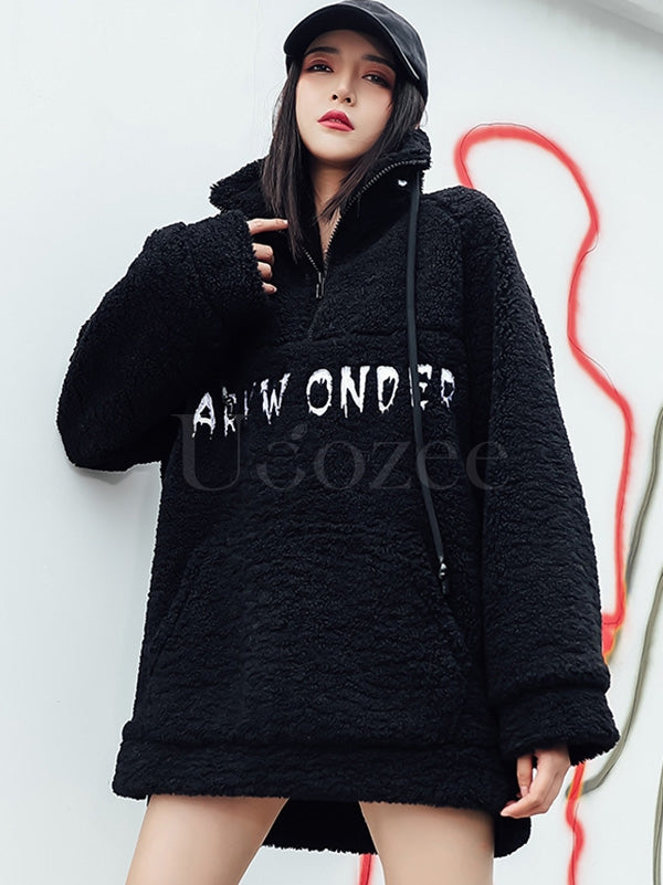 Loose Embroidered Plush High-Neck Sweatshirt