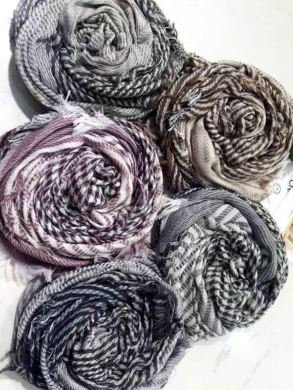 5 Colors Fashion Tasseled Scarf