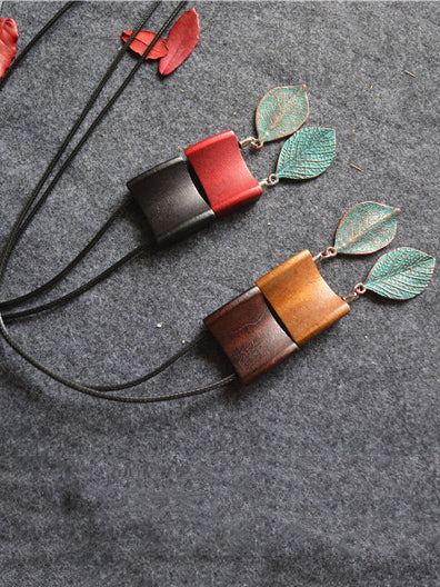 Wood Geometric Copper Green Leaves Necklace