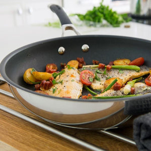 Circulon Momentum (Stainless Steel+ Non-Stick) Fry-pan 22 cm, Silver (Induction and Gas Compatible) - Pots and Pans