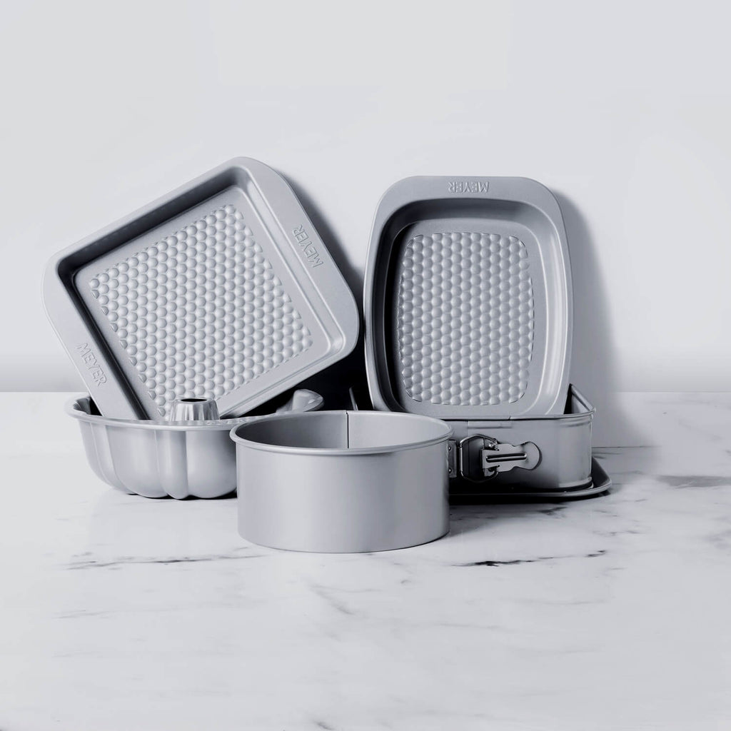 Meyer Bakemaster 5-Piece Bakeware Set - 23cm Square Springform Cake tin + Fluted Mould + 20cm Loose Base Cake tin + Oven Roaster + Square Cake pan - Pots and Pans