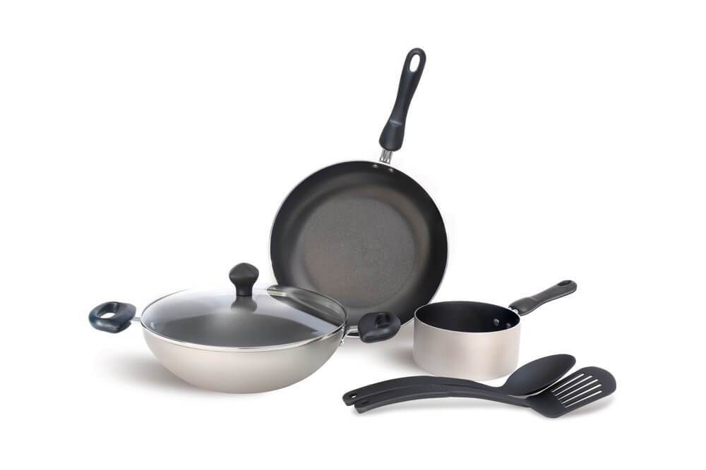 Meyer Non-Stick 6pcs Cookware Set (14cm Milkpan+26cm Frypan+26cm Kadai+Nylon Turner+Nylon Spoon) - Pots and Pans