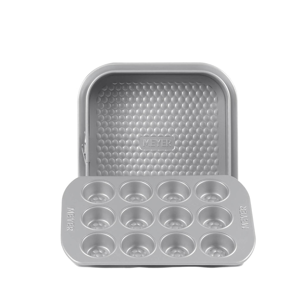 "12 Cup Mini Muffin Pan + 23cm/9"" Square Springform Pan"