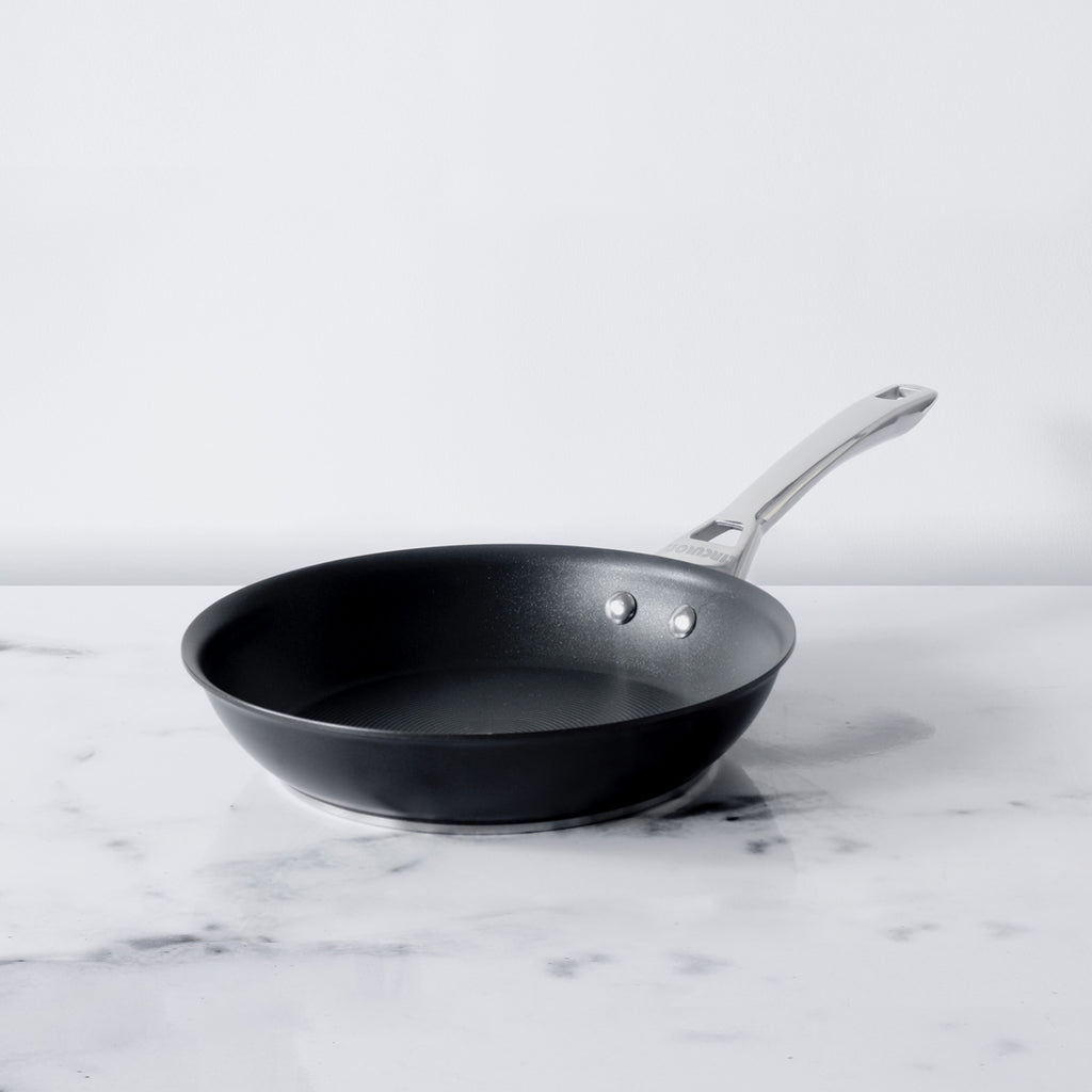 Circulon Infinite Non-Stick + Hard Anodized Aluminium Skillet 24cm and Curved Tawa 26 cm - Pots and Pans