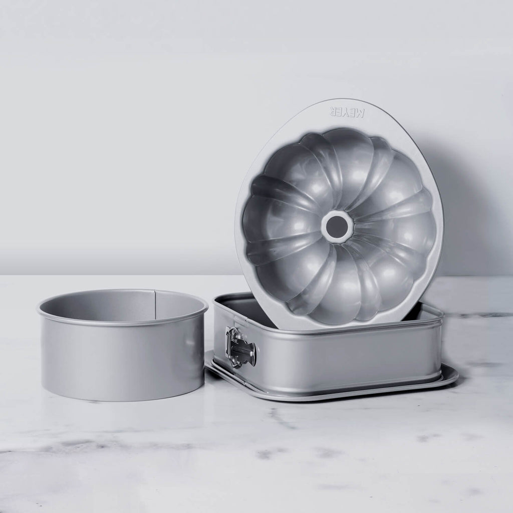 Meyer Bakemaster 3-Piece Bakeware Set - 23cm Square Springform + Fluted Mould + 20cm Loose Base Cake tin - Pots and Pans