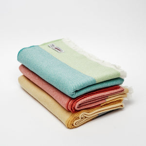Cushendale Lambswool Knee Throws