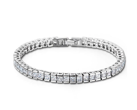 Simply Styles Swarovski Crystal Bangle